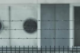 Cuatro presos se fugan de una cárcel de Berlín por un agujero en un muro