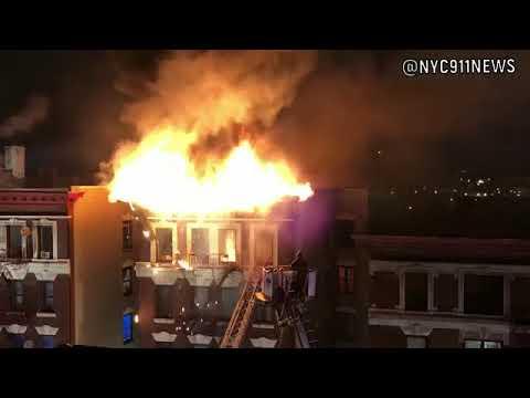 Al menos doce muertos en el incendio de un edificio en Nueva York