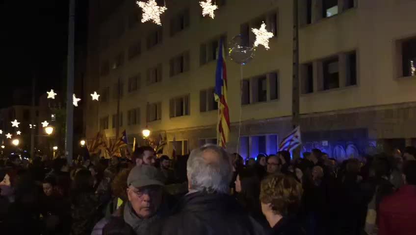 Dos mil personas en la marcha soberanista de la Diada