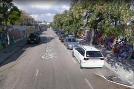 Los vecinos de la calle Joan Coll cierran el año con más de 150 robos en sus coches
