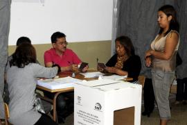 Unos 800 ecuatorianos residentes en Mallorca participan en la consulta popular