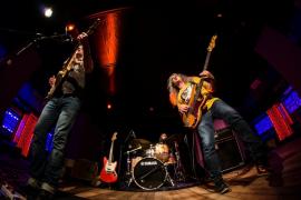 El Shamrock, escenario de la potente banda de rhythm'n'blues Big Yuyu