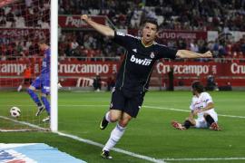 Ronaldo se pasea en Sevilla e impide el alirón anticipado del Barça