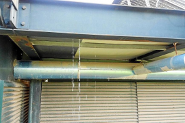 Fugas de agua en las placas solares térmicas del hospital de Son Espases