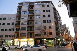 Evitan que un hombre salte de un cuarto piso tras agredir a su hermana en Palma