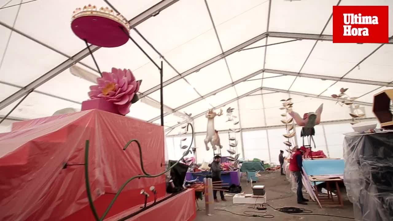 Las nuevas carrozas, a punto para la cabalgata de Reyes de Palma