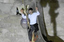 La retirada del gallo del Pi de Sant Antoni de Pollença es recibida con opiniones encontradas