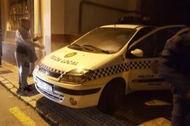 Se incendia el coche de la Policía Local de Palma en la cabalgata del Coll