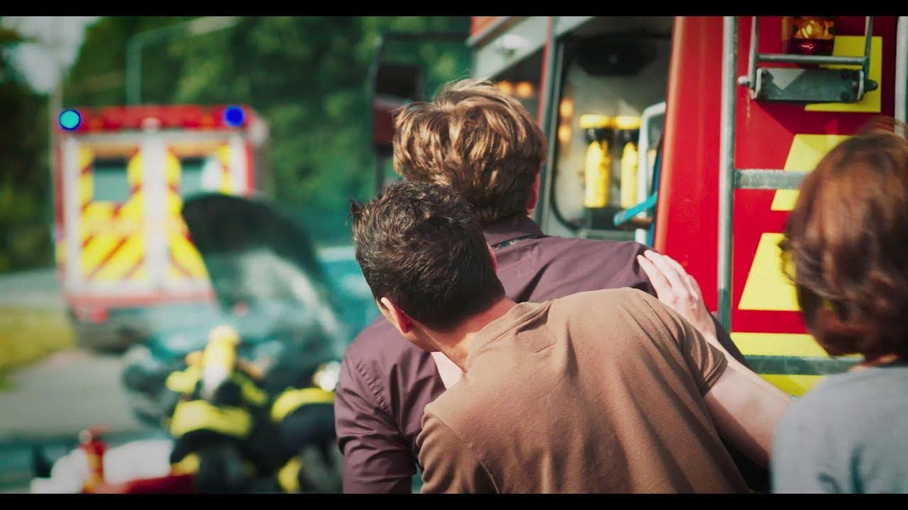 Un grupo de bomberos alemanes graba un vídeo sobre los «mirones morbosos»