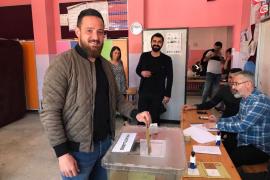 Un futbolista de origen kurdo crítico con Erdogan es tiroteado en Alemania
