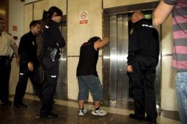 Condenan a Abarca por no volver a prisión el día que mató a Ana Niculai