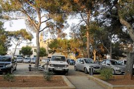 Los vecinos de Portocolom piden que la plaza no se convierta en aparcamiento