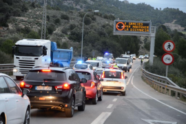 Un accidente causa largas colas en la carretera entre Palma y Andratx