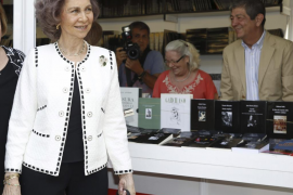 La Reina Sofía y su «tierna amistad» con el viudo de la duquesa de Alba