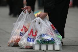El Ayuntamiento de Palma no podrá comprar ni distribuir bolsas de plástico a partir de este jueves