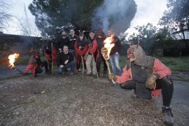Las 'colles' de dimonis de Palma se preparan para vivir Sant Antoni y Sant Sebastià