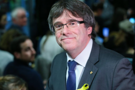 Un informe del Gobierno concluye que no cabe la investidura telemática en Cataluña