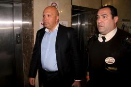 La defensa de Moisés pide su absolución o una multa por el 'caso Palma Arena'