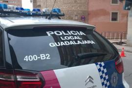 Hallan muerto a un joven de 22 años en un autobús de Guadalajara