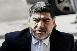 Maradona cuestiona al Sevilla por despedir a Berizzo