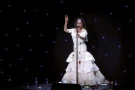 Una de las mayores fans de Isabel Pantoja muere en la cola de un concierto de la cantante