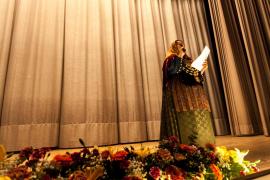 Folklore pitiuso y mallorquín en el Cine Regio de Sant Antoni
