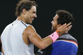 Rafael Nadal derrota a Víctor Estrella Burgos sin contemplaciones
