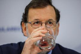 Rajoy avanza que recurrirá al Constitucional si Puigdemont delega su voto este miércoles