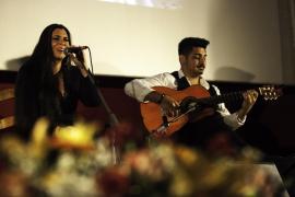 Mati Fernández, Pedro el granaíno y Mayte Martín llenaron el Cine Regio de Sant Antoni