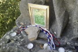 La cueva del beato Ramon Llull, en el santuario de Cura, escenario de rituales