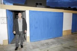 El dueño del 'chalé patera' de Sant Antoni afirma que sus huéspedes viven en condiciones «envidiables»