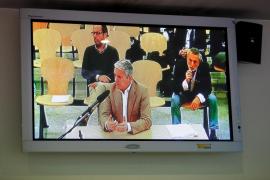 Crespo dice que aceptaron cobrar en 'b' del PP valenciano para no ir a la quiebra