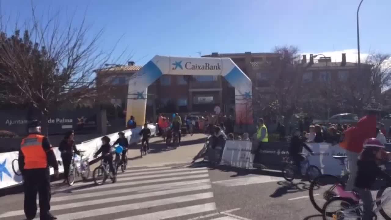 Miles de ciudadanos se suben a la bici en la Diada Ciclista de Sant Sebastià