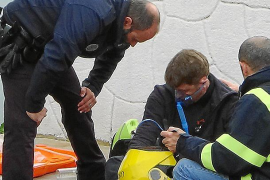 Explota la rueda de un coche de la Policía Local de Andratx al acudir a una urgencia