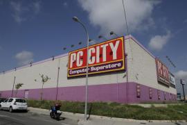 PC City España traspasará a un grupo portugués ocho  tiendas, entre ellas la de Palma