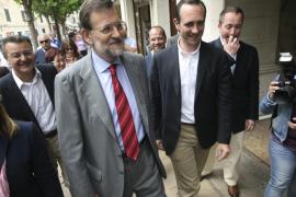 Rajoy ve una victoria clara en Balears pero Bauzá pide prudencia