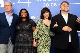 Del Toro hechiza a la Academia con 13 nominaciones al Oscar para 'La forma del agua'
