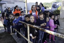 Visita de escolares del CEIP Jesús para conocer el servicio del 061 (Fotos: Daniel Espinosa).