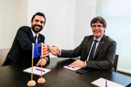 Torrent traslada a Puigdemont la necesidad de tener un gobierno posible y eficaz rápidamente