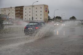 Una gota fría pone en alerta a Mallorca y Menorca por fuertes lluvias