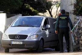 Los primeros resultados de la autopsia no hallan signos de violencia en el cadáver encontrado en Cala Lliteres