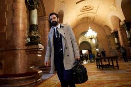 Torrent exige «respeto» y mantiene la investidura de Puigdemont