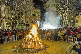 El barrio de Gràcia vive los 'Foguerons' de sa Pobla de Sant Antoni