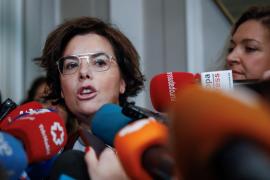 Sáenz de Santamaría: «El camino que tiene seguir Puigdemont es el del Supremo»