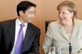 Merkel quiere que se unifiquen la edad de jubilación y las vacaciones en la UE