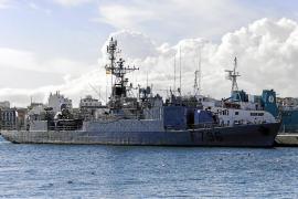 Un buque de guerra francés en Ibiza
