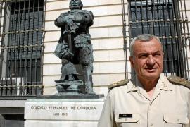 El jefe del Estado Mayor del Ejército, Fulgencio Coll, invitado hoy en el Club Ultima Hora