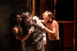 Iguana Teatre viaja al interior más oscuro del ser humano en el Teatre del Mar con 'Ricardo 3'
