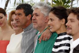 El Almodóvar más arriesgado y cruel desconcierta en Cannes