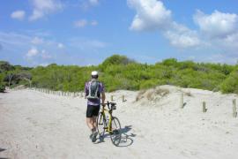 Charla sobre la gestión del litoral en  Es Comú
